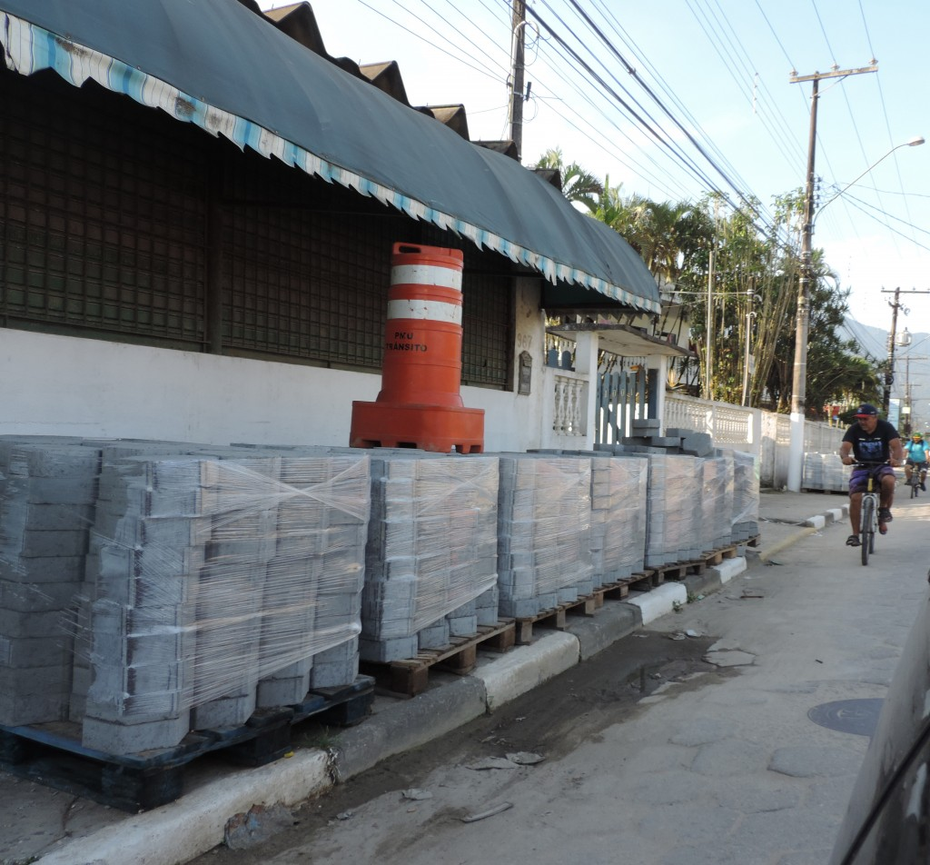 Avenida Padre Manoel da Nóbrega que recebe obras de pavimentação; cidade investe mais de R$ 20 milhões (Foto: Rafaela Lourenço)