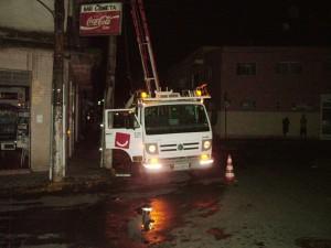 Técnicos da Bandeirantes  prestam atendimento de emergência em Lorena (Foto: Arquivo)