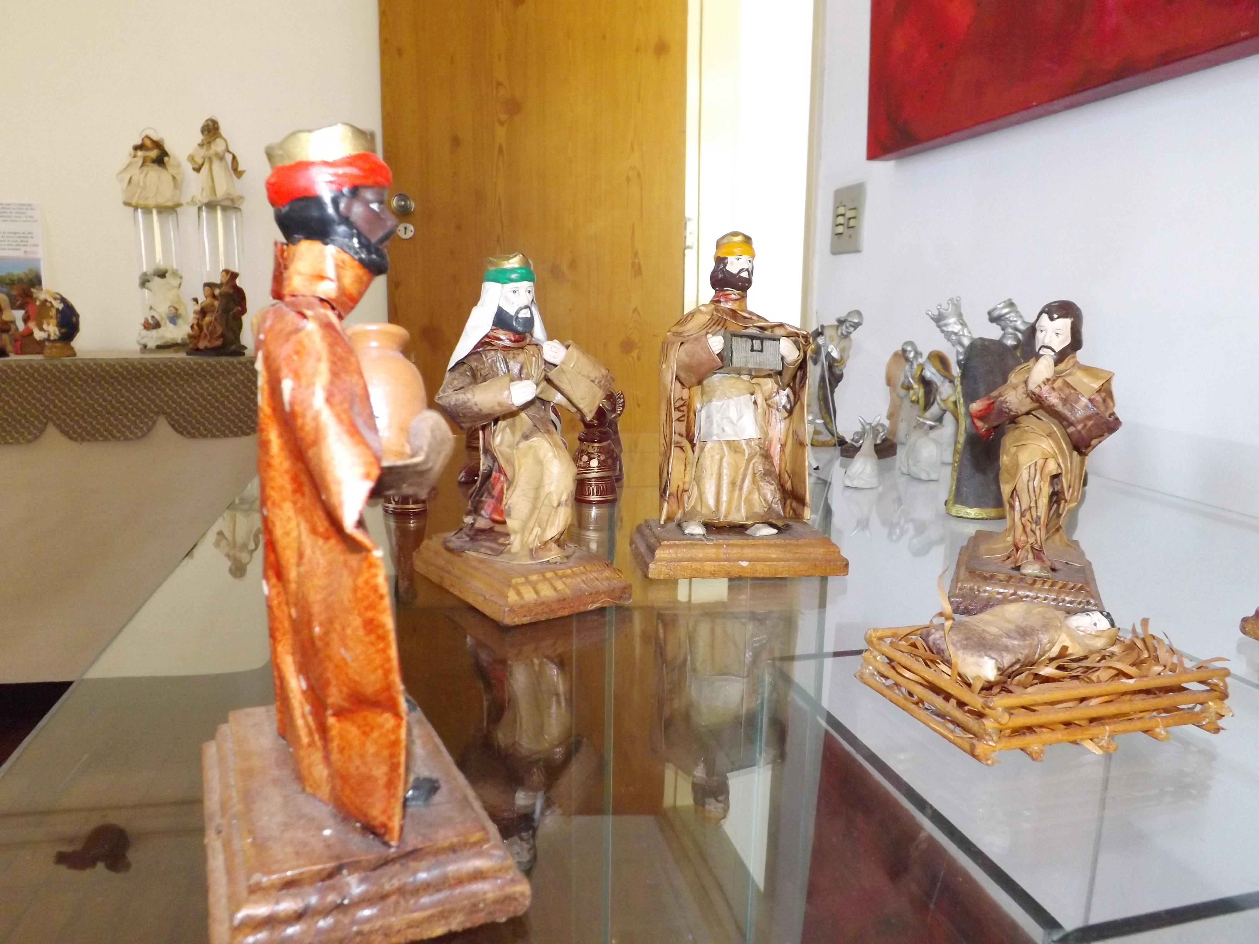 Presépios que encenam a natividade permanecem expostos até o final do mês (Lucas Barbosa)
