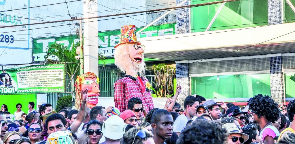 Foliões acompanharam o Bloco Juca Teles, de São Luiz, no Carnaval de 2014; em Pindamonhangaba, organizadores buscam repetir o sucesso em acréscimo de visitantes (Arquivo Atos)