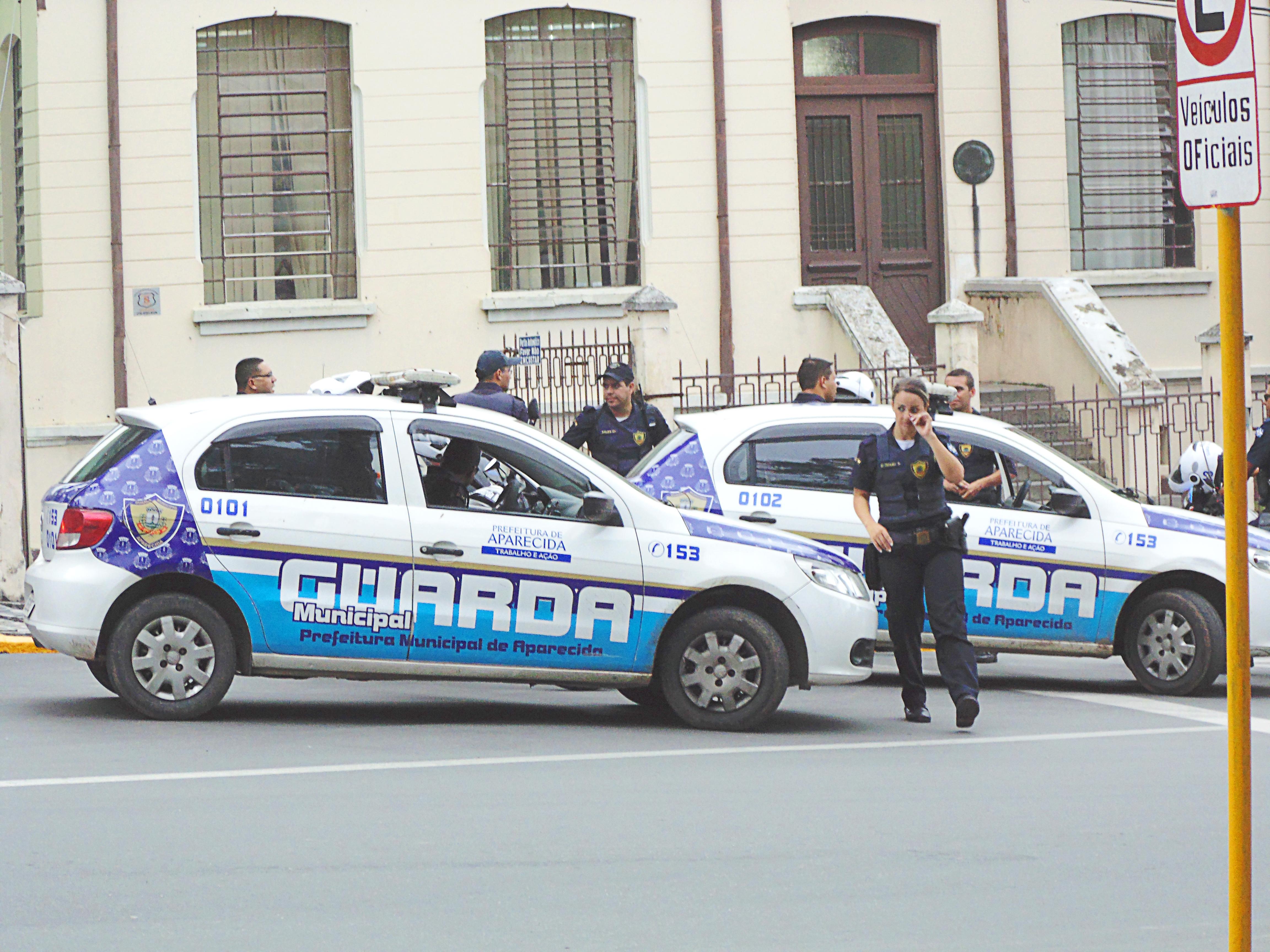 Guardas municipais atuam em bloqueio na região central de Aparecida em dia que antecede o feriado (Arquivo Atos)
