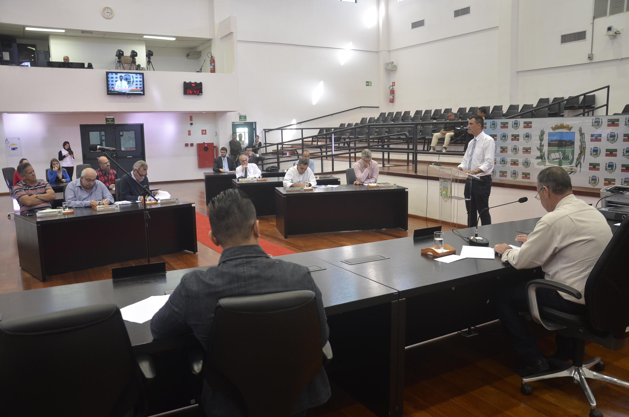 A votação da tarde desta quinta-feira, que absolveu o vereador Professor Éric (Foto: Divulgação / CMP)