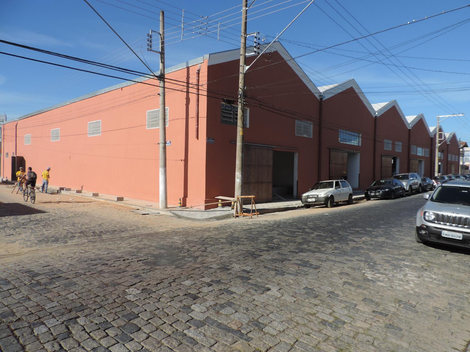 O Mercadão de Lorena, que foi restaurado para o comércio e prestação de serviços; será monitorado por 42 câmeras (Foto: Arquivo Atos)