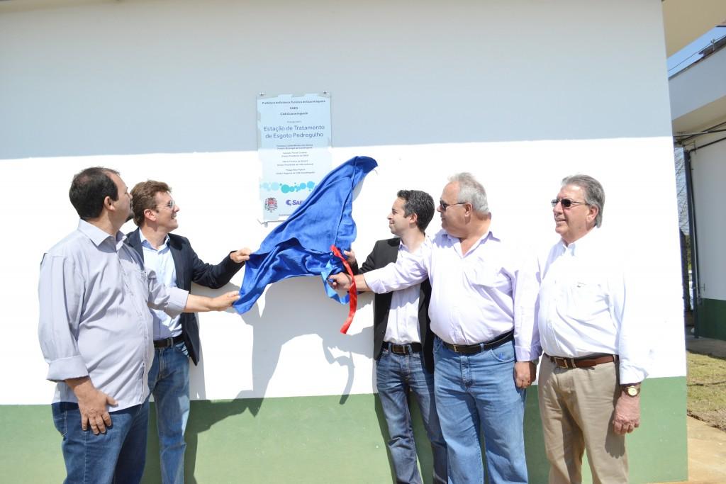 Diretores da CAB e Saeg participam de inauguração da ETE Pedregulho; sistema atende 14 mil em Guará (Foto: Estéfani Braz)