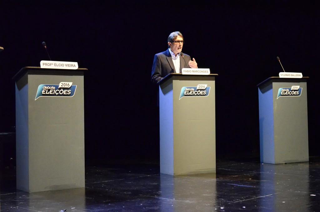 Isolado. Fábio Marcondes foi o único a participar de debate que virou sabatina, no Unifatea (Leandro Oliveira)