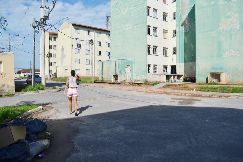 Conjunto habitacional no bairro da Cecap em Lorena; cidade muda sistema de desconto no imposto para 2017 (Foto: Arquivo Atos)
