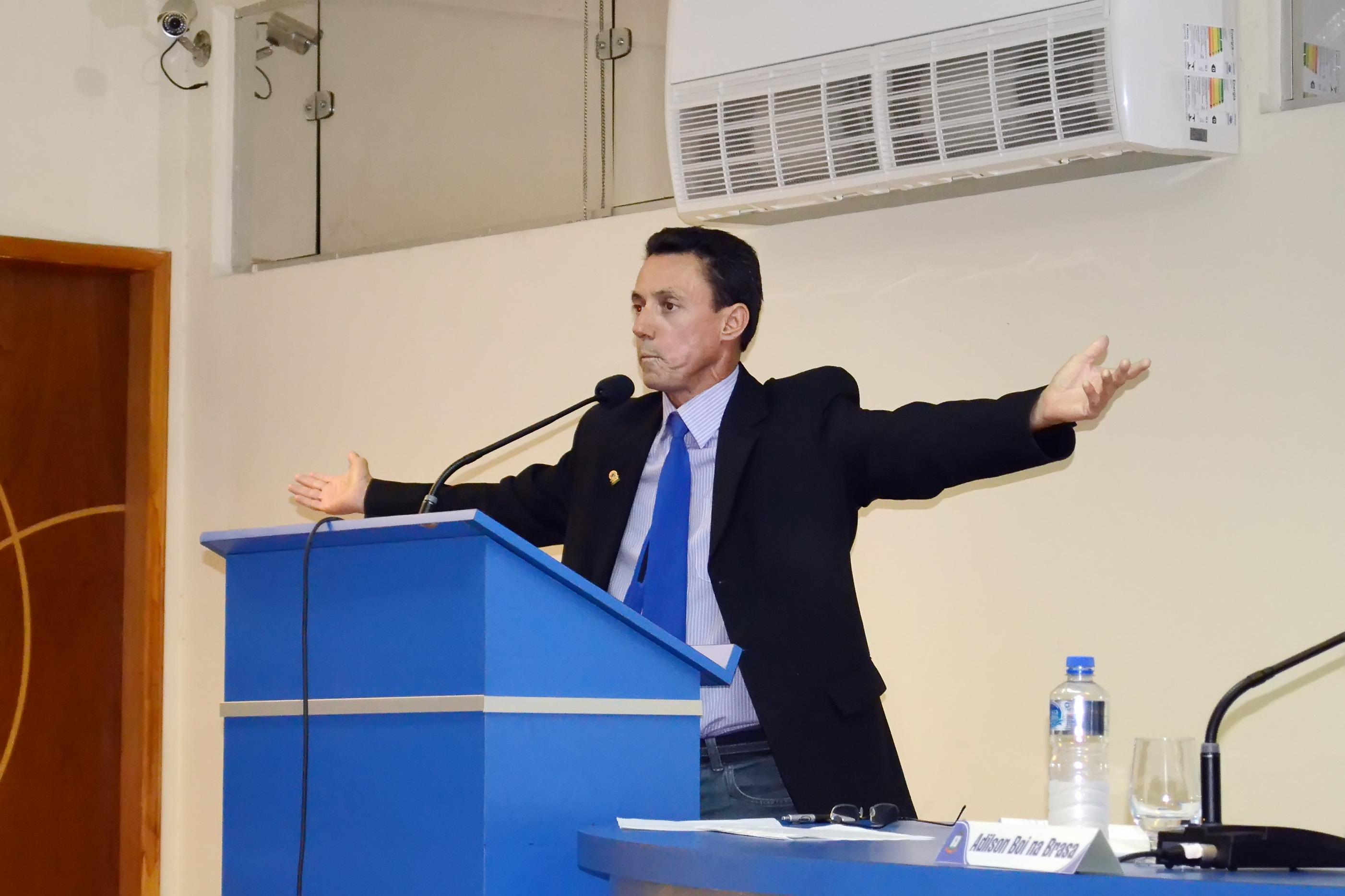 Um dos principais alvos da operação Leviatã, o vereador Elcinho Ribeiro foi afastado, após decisão judicial, que determinou prisão de cinco (Foto: Arquivo Atos)