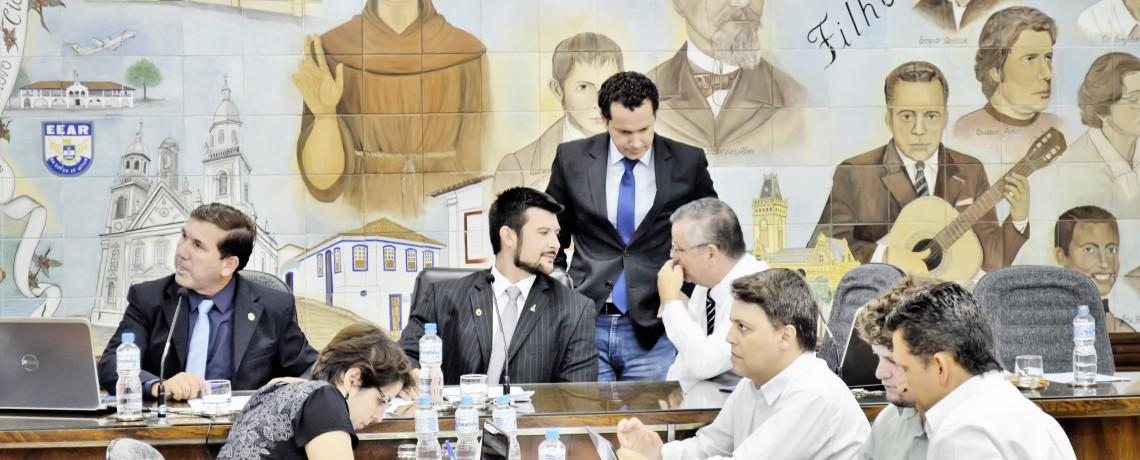 Câmara de Guaratinguetá prorroga prazo para convocação de aprovados em concurso de 2016