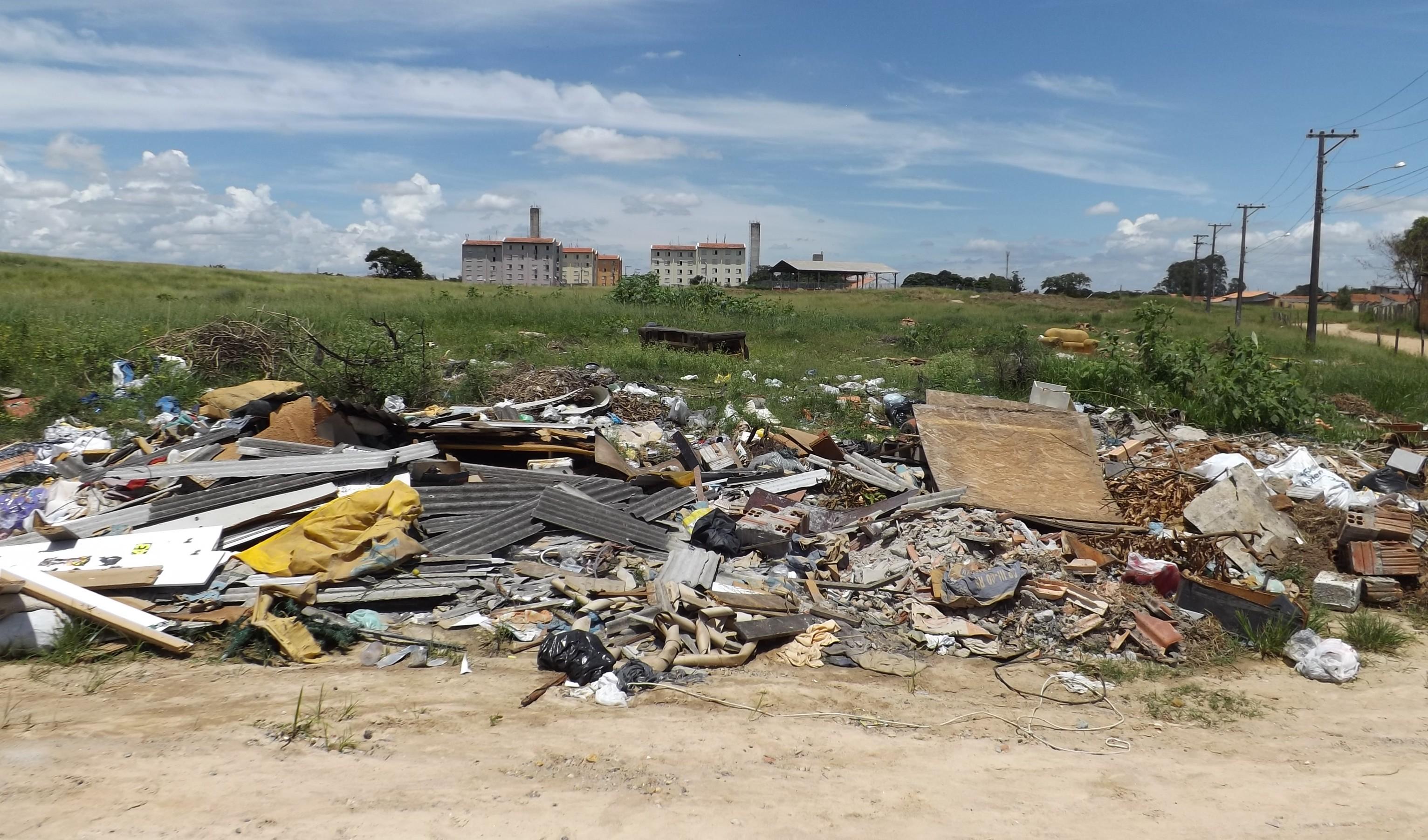 Terrenos lixo Lorena 2017 (1)