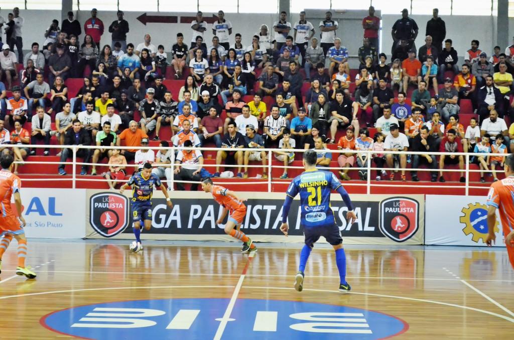 Partida do Yoka na temporada 2016, quando o time voltou a ter destaque no cenário estadual do futsal; elenco com novidades para temporada (Foto: Leandro Oliveira)