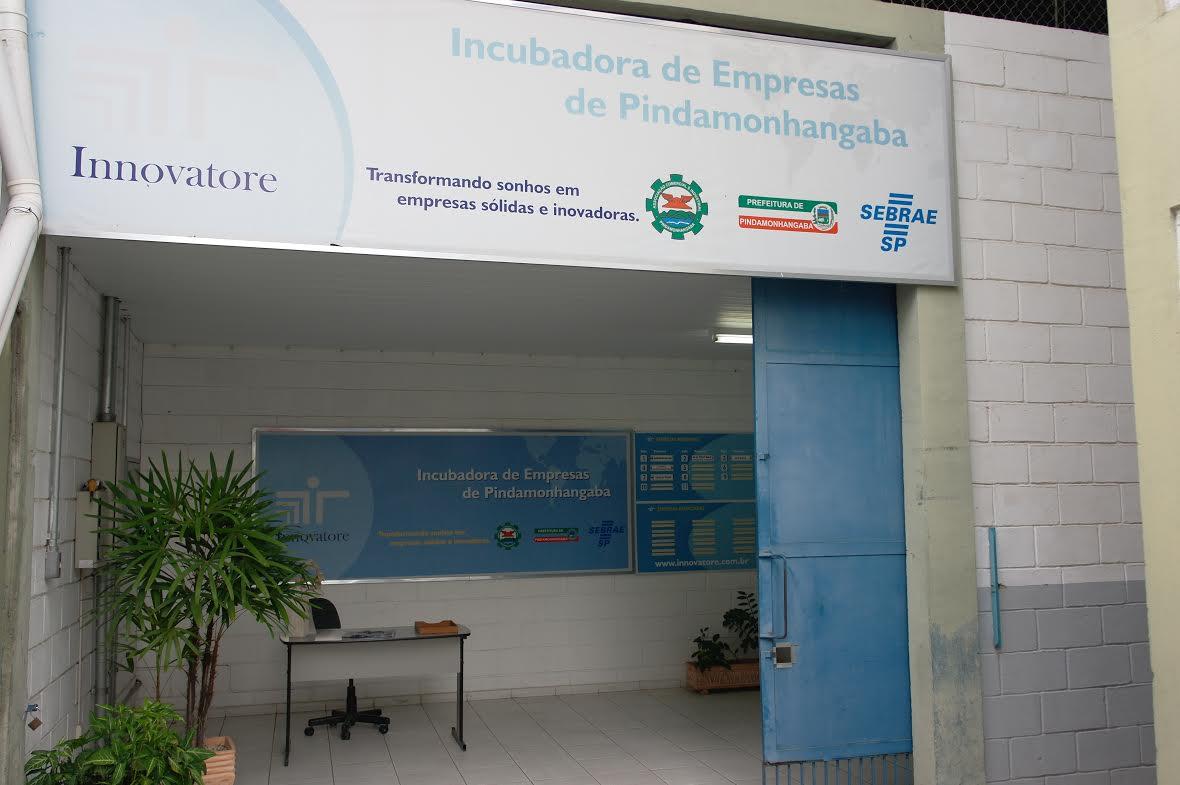 A incubadora de empresas montada em Pindamonhangaba; microempresários terão facilidades com novo sistema do Estado (Foto: Arquivo Atos)