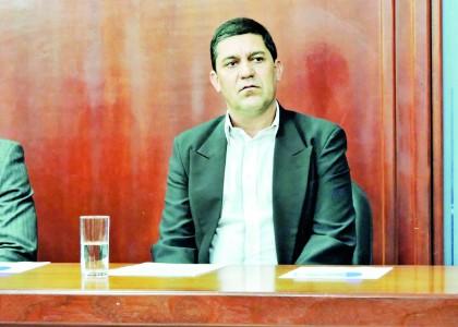 Edson Mota volta à Prefeitura após um mês fora para investigação