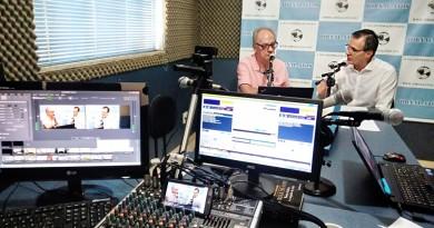 Entrevista do prefeito Marcus Soliva, nos estúdios do Jornal Atos, nesta sexta-feira; prefeito destacou encontro com Alckmin por legalização (Foto: Francisco Assis)