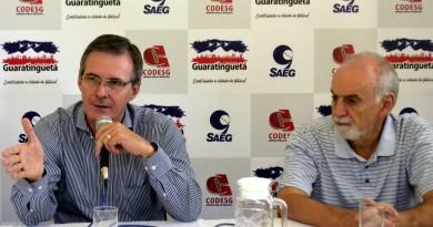 Prefeito Marcus Soliva e o diretor da Codesg, João Batista de Oliveira; autarquia retomou contratações após medida judicial (Foto: Divulgação PMG)