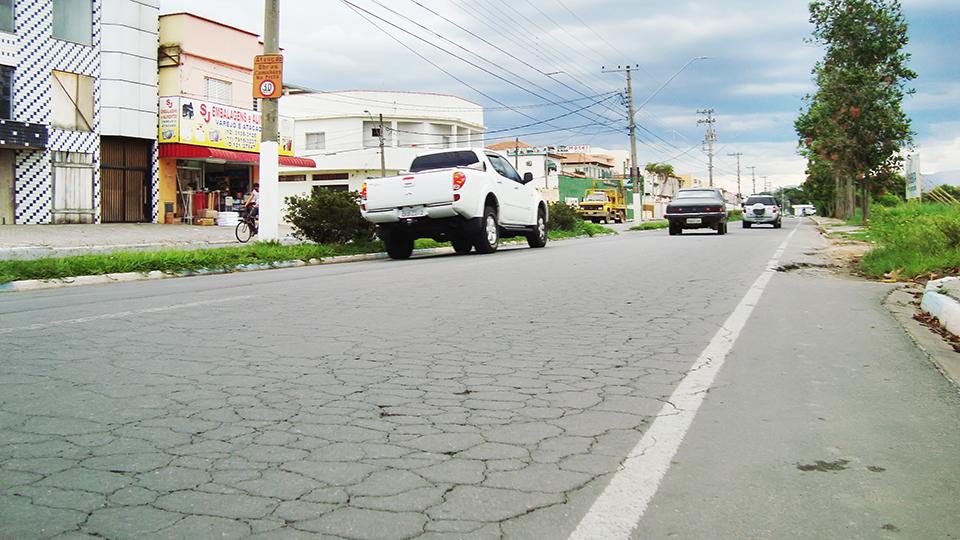 A avenida Solon Pereira, um dos focos de obras custeadas com verbas liberadas pelo Dade; investimento de R$ 1,3 milhão em restauração (Foto: Arquivo Atos)