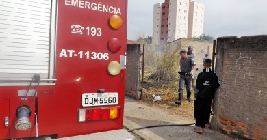 Trabalho do Corpo de Bombeiros, em Lorena; prefeito garante que cidade conta com verba para serviço (Foto: Arquivo Atos)