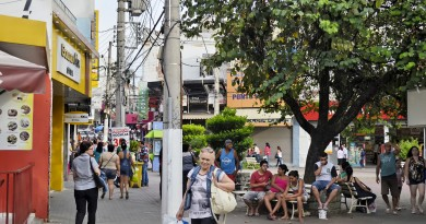 Praça Conselheiro Rodrigues Alves, no Centro de Guaratinguetá; município deve contar com câmeras instaladas até janeiro de 2018 (Foto: Arquivo Atos)