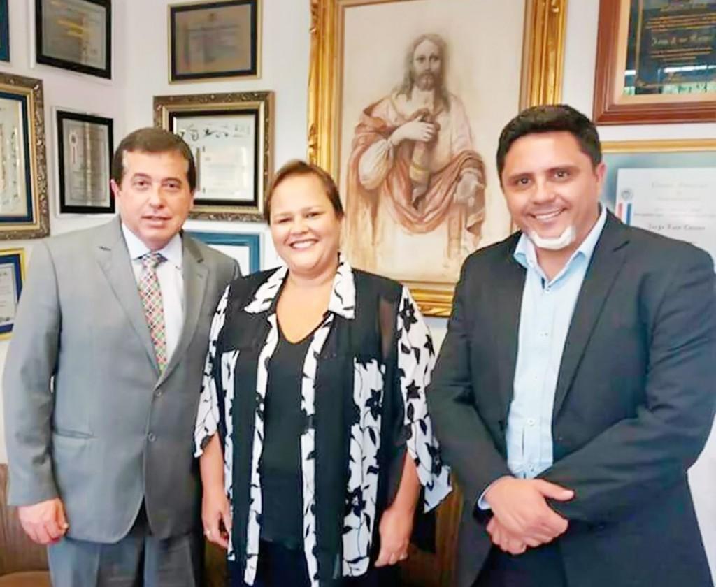 O deputado Jorge Caruso, a vice-prefeita Marietta Bartelega e o vereador Bruno Camargo, em São Paulo (Foto: Divulgação)