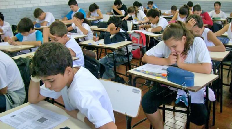 Sala de aula cheia em Pindamonhangaba; região ganha unidades do programa (Foto: Arquivo Atos)