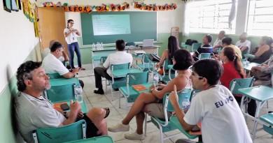 Encontro realizado em Canas contou com profissionais e servidores ligados ao turismo na região (Foto: Lucas Barbosa)