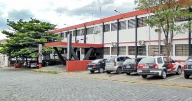 O prédio da delegacia de Guaratinguetá, que vai receber o novo Pronto Socorro, após anúncio de Alckmin (Foto: Arquivo Atos)