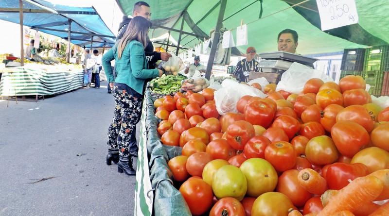 """Um dos grandes """"vilões"""" da cesta básica, o tomate voltou a impulsionar preços no início do ano; valores preocupam também no Vale do Paraíba (Foto: Arquivo Atos)"""