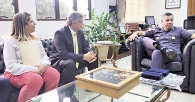 Reunião entre a prefeita Erica Soler e o comando da PM, em São Paulo; pedido foi atendido nesta semana (Foto: Divulgação)
