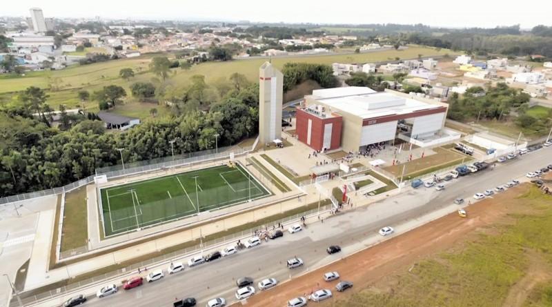Vista aérea da nova sede do Sesi São Paulo, em Pindamonhangaba; unidade terá aulas em tempo integral (Foto: Reprodução)