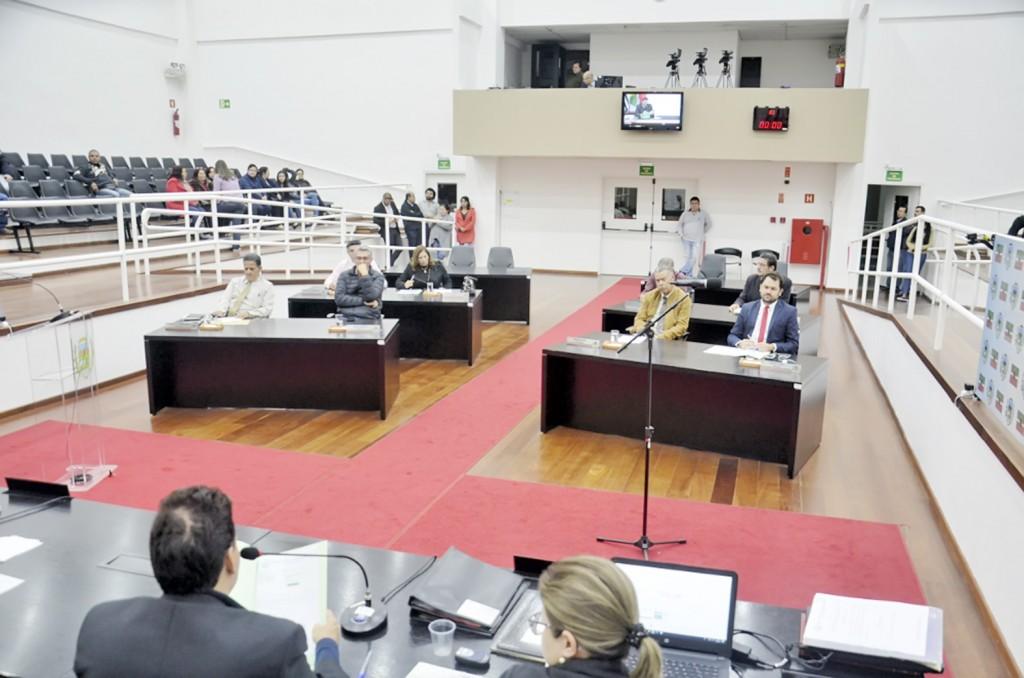 A Câmara de Pindamonhangaba; cidade mantém subsídios do Executivo e Legislativo congelados (Foto: Reprodução)