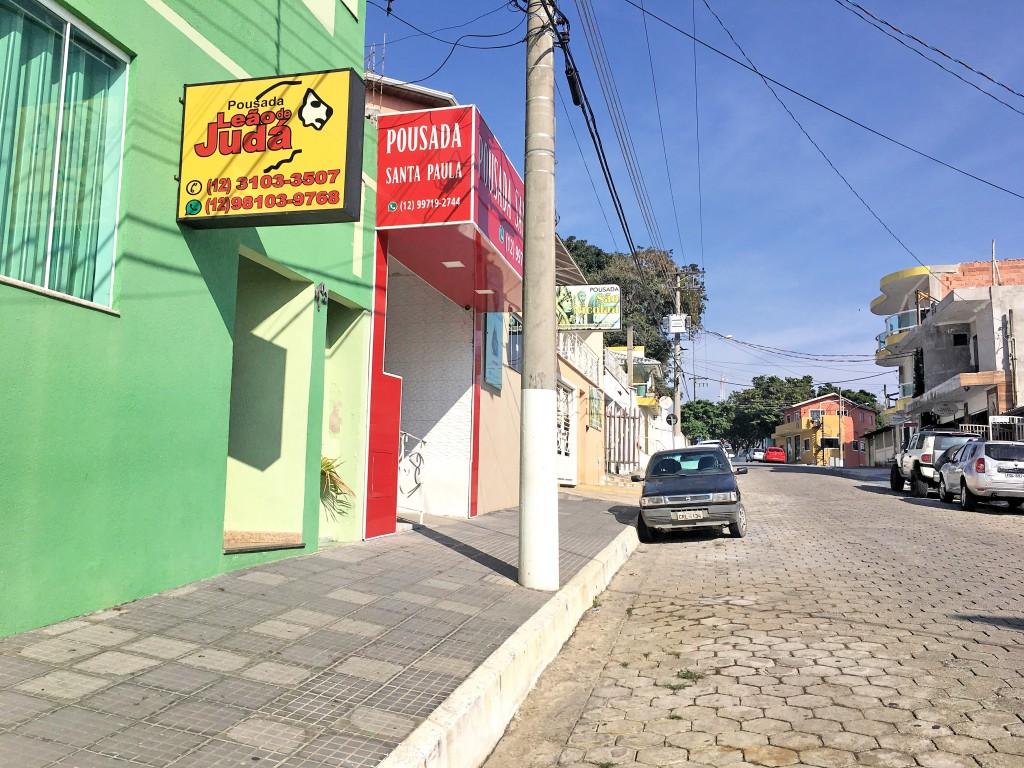Pousadas de Cachoeira Paulista, em área próxima à Comunidade Canção Nova; cidade aposta na qualificação com parceria do Sebrae (Foto: Jéssica Dias)