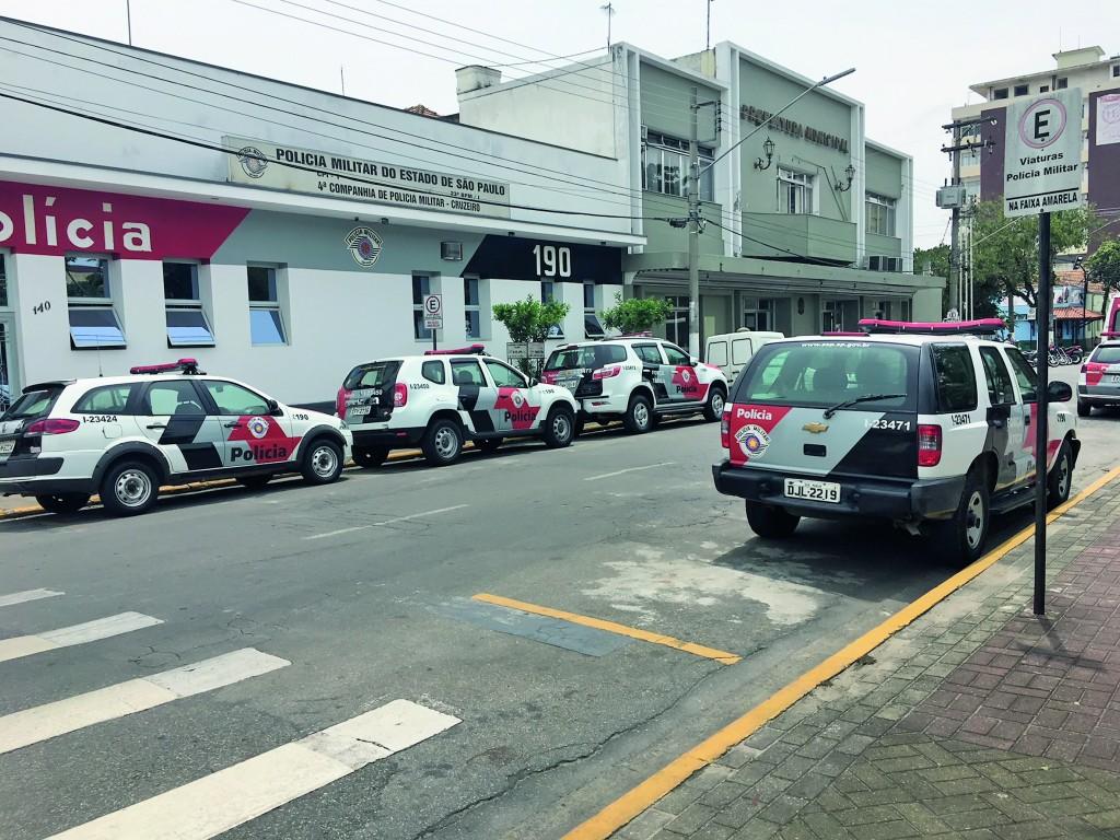 Viaturas no Centro de Cruzeiro; cidade se recupera contra o crime (Foto: Arquivo Atos)