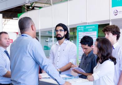 Feira de tecnologia reúne empreendedores no Recinto de Exposições de Guaratinguetá