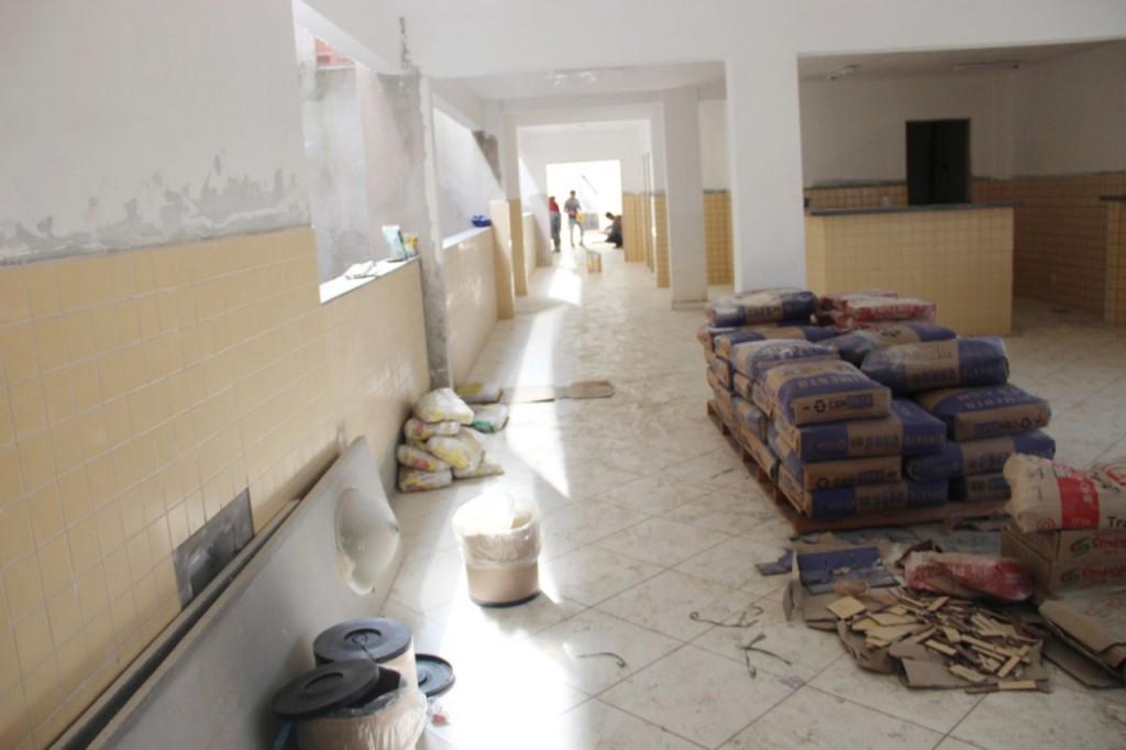 Obra de construção do ESF na Vila Mariana, em Aparecida; com investimento de R$ 700 mil, Prefeitura espera entregar prédio em dezembro (Foto: Divulgação PMA)