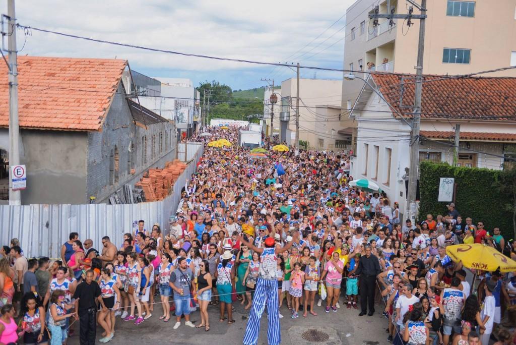 Passagem do bloco por Guaratinguetá em 2018; grupo é uma das atrações deste final de semana (Foto: Reprodução)