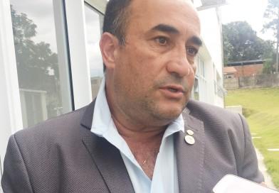 Sem votação, Câmara de Piquete mantém Santana para mais dois anos na presidência