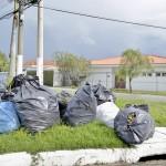 Atraso de três meses na cestas básicas pode paralisar coleta de lixo em Guará