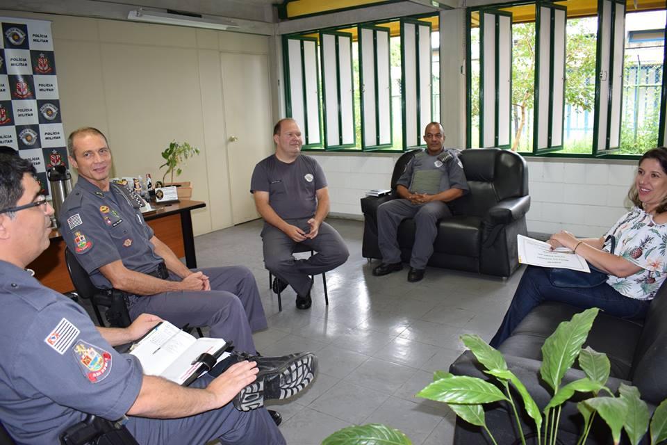 Em 2018, a prefeita Erica Soler participou de reunião com a Polícia Militar para debater ações de segurança; em 2019, cidade perde o Jepoe (Foto: Divulgação PMP)