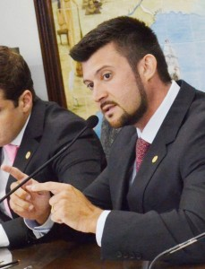 O presidente da Câmara, Marcelo Coutinho; reajuste após cinco anos. (Fotos: Arquivo Atos)