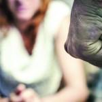 Marido é preso após espancar mulher em Cruzeiro