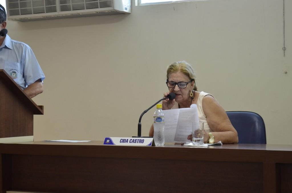 A vereadora Cida Castro estava no grupo barrado em escola municipal de Aparecida (Foto: Reprodução CMA)