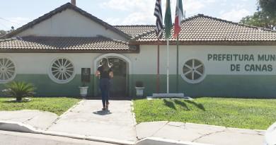 A Prefeitura de Canas, que abriu vagas para contratação em 28 setores, com salários de até R$ 9 mil (Foto: Jéssica Dias)