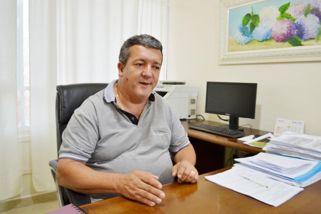 Prefeito em exercício, Xeroso já coloca em prática mudanças na Prefeitura para afastar equipe formada por Teca; saúde é primeira preocupação (Foto: Jéssica Dias)