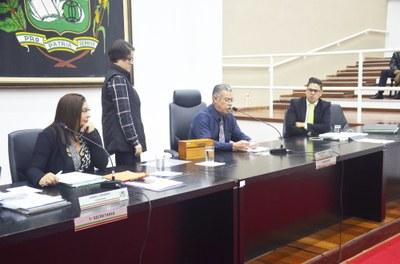 Vereadores durante sessão que aprovou a abertura de uma nova CEI contra o prefeito Isael Domingues; investigação na Atividade Delegada (Foto: Divulgação CMP)