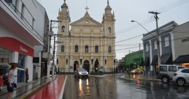Matriz de Pindamonhangaba, no Centro da cidade; região receberá trabalho de recuperação em 2019 (Foto: Francisco Assis)