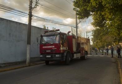 Depósito de estádio municipal pega fogo em Aparecida