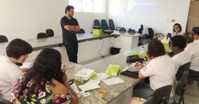 Reunião de qualificação e entrega de tablets para agentes em Ubatuba (Foto: Divulgação PMU)