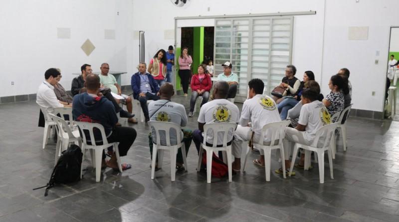 A reunião realizada com os moradores dos bairros   (Foto: Divulgação PMG)