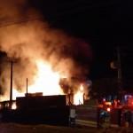 Incêndio atinge fábrica de tintas em Piquete