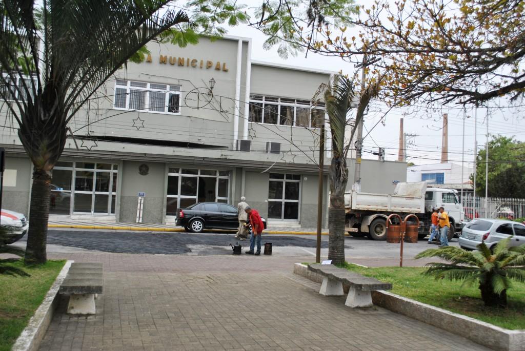 A Prefeitura de Cruzeiro que lançou Refis neste mês; contribuintes têm descontos em honorários, juros e multas (Foto: Arquivo Atos)