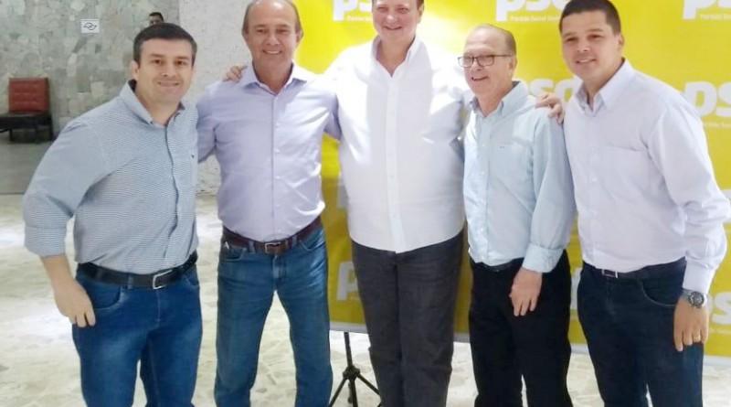 Kassab entre os irmãos Sylvio e Humberto Ballerini, tendo nas laterais Marcelo Alvarenga e Fábio Longuinho